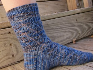 Gridwork Knitting Pattern : Eclectic Closet Litblog, Book Reviews & Knitting Designs   Gridwork