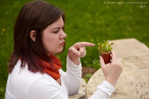 Jen gives Audrey II a piece of her mind.