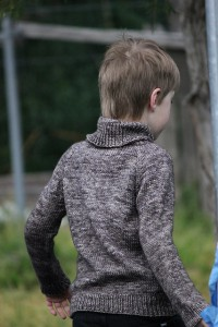 Colin sweater knit by Ravanesque