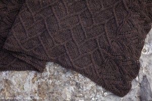 close up of stitch pattern of Långhus blanket stitch pattern
